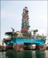 The DSS series rigs can drill down 30,000 ft and operate in water depths up to 10,000 ft. Theyre also dynamically positioned units.