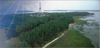 Extended-reach drilling has gained traction by enabling operators to position rig costs effectively. It is also particularly suited to drilling where environmentally sensitive locations prevent the building of drill pads.