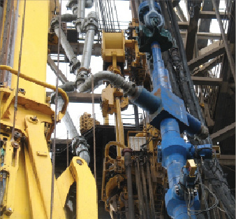 In the Gulf of Mexico, frac packs have delivered reliable and efficient completions with little pressure drop across the completion. They also have a low skin value, risking little damage to the wellbore. Above, a frac head that connects the surface treating lines to the workstring. 