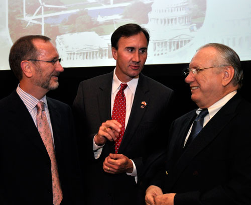 From left: Louis Raspino of Pride International, Congressman Pete Olson, and IADC president Dr Lee Hunt.