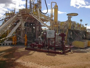 Petrobras' first field trial with MPD used a small onshore rig with a kelly rather than a top drive. By the second field trial, the company had switched the rig out for one with a top drive.