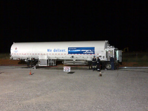 An LNG truck arrives at the site of an Apache hydraulic fracturing spread in Oklahoma's Granite Wash play. Linde North America delivered and provided onsite storage and vaporization of the LNG that replaced 60% of diesel consumed in the 12-pump, 24,000-hp fleet.