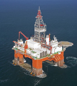 The Bay du Nord well, drilled by Seadrill's West Aquarius semi, encountered light oil of 34° API.