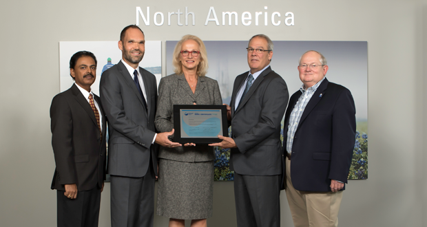 Schlumberger receives the Center for Offshore Safety's SEMS certification. On hand for presentation of the SEMS Certificate, from left: Chandran Ilango, Integrated Systems Sector Manager for DNV GL; Rob Cummings, HSE Manager - Schlumberger; Faith Beaty, President - DNV GL Business Assurance USA; Tom Teipner, President – Schlumberger North America; Charlie Williams, Executive Director for Center for Offshore Safety.