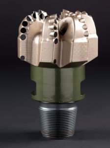 Smith Bits' AxeBlade Ridged Diamond Element Bit features ridge-shaped cutting elements to focus force more efficiently on the formation ahead.