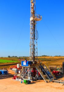 Independence Contract Drilling's Rig 211 drills for GeoSouthern Energy in the Austin Chalk, near Schulenberg, Texas. It is a 1,500-hp pad-optimal rig with a multidirectional walking system and bi-fuel engines. Independence's fleet of high-spec rigs is at 100% utilization. More pad-optimal rigs will be needed as operators increasingly pursue pad-dominated development plans. The industry will likely see pad-optimal newbuilds ordered in 2018, Mr Dunn said.