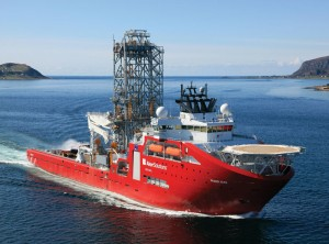 The Skandi Aker is a monohull vessel classed as a MODU according to DNV's WELL notation, which means it can take hydrocarbons from the well onboard, thus do well testing, well clean-up and flaring off hydrocarbons.