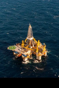 Right: The Ocean Onyx, Diamond Offshore Drilling's new semisubmersible, began work in the US GOM for Apache in February. The rig is capable of operating in water depths up to 6,000 ft and drilling to 30,000 ft. Diamond has two additional semis under construction.  Photo by Drew Donovan, courtesy of Diamond Offshore Drilling Inc