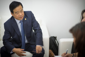 During an interview with DC at the 2014 OTC, Honghua Group Chairman and CEO Zhang Mi said he expects 100 rigs will be drilling for shale gas in China by the end of 2014.