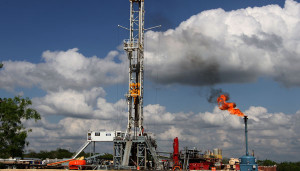 "H&P's Rig 600 is operating in South Texas. The Flex3 rig is equipped to drill 8,000- to 22,000-ft wells. In the Eagle Ford area, ""we have seen an increase from predominantly 8,000-ft laterals to 12,000-ft laterals, and then in West Texas we're seeing the shift from vertical to lateral work with 6,000- to 10,000-ft laterals,"" David Millwee, Regional VP – US Land Operations, said. While the majority of H&P's fleet is drilling 8,000-ft to 10,000-ft laterals, some operators are reaching for 15,000 ft."