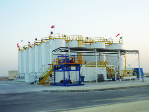 NOV is looking at developing centralized mud plants, such as this 11,500-bbl capacity facility in the Middle East, to treat drilling mud without the risk and cost of transporting waste long distances.
