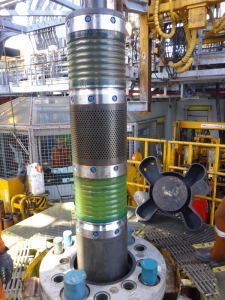 The RDD seal sleeves are installed across the RDD annulars and closed on the drill string annular packers.