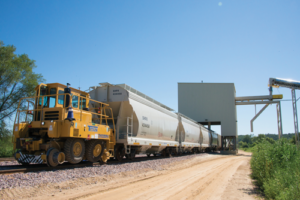 To reduce rail and trucking costs, Jordan Sands has studied locations of sand mines in relation to customer drill sites to better manage logistics. It has also increased rail-car sizes to maximize carrying capacity. So far, such efforts have resulted in a 15% reduction in sand production costs for the company.
