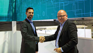 Frode Kaland (left), VP Procurement, Kongsberg Maritime, and Roar Søvik, Siemens Director Marketing/Head of Process Industries and Drives Division, signed an agreement on 8 September between the two companies based on delivery of VFD components.