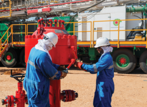 PDO set up hoists at Nimr in Oman as part of an in-sourcing project to help develop Omani well engineering talent. The company has established a program to addresses key challenges: competency and leadership, risk management, learning from incidents and assurance.