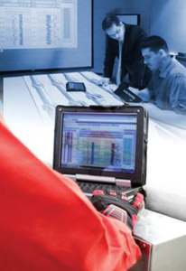 The AccuView system supports real-time collaboration between the rig and offsite experts by securely transmitting key operational data.