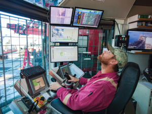 Within Transocean, a targeted push has been made to develop performance dashboards with custom visualization graphics, designed by cognitive psychologists, that are used daily by rig managers, toolpushers and drillers to analyze, review and improve drilling service KPIs. These contribute to well construction efficiency and highlight sources of nonproductive time. Operators are able to view these same graphics for the Transocean rigs they have on contract.